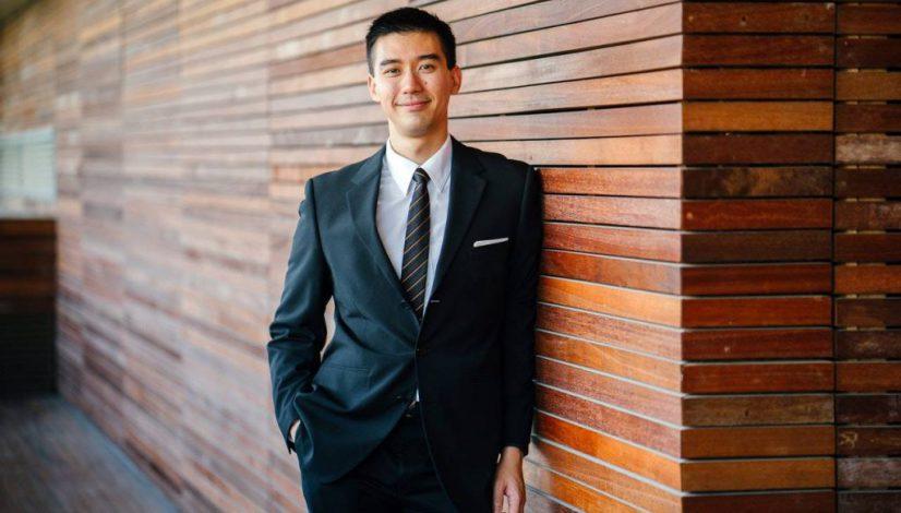 men-s-wearing-black-suit-jacket-and-pants-937481-pexels